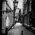 Een steeg in het centrum van Amsterdam
